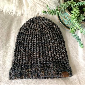 NWOT Roots Knit Beanie / Toque